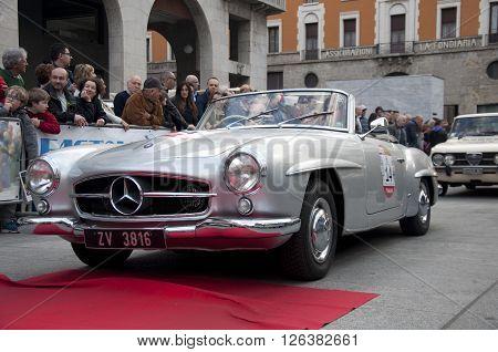 BRESCIA, ITALY - APRILE 17, 2016:500 Miglia. Finish. MERSEDES-BENZ 190SL, 1957 built