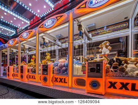 Arcade Crane Orange