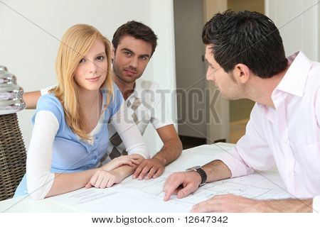 Couple with real estate buyers
