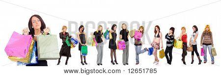 Grupo de doze meninas compras com um feliz e relaxado na frente - Ver imagens semelhantes do presente