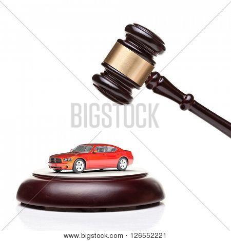 3d car model and wood gavel
