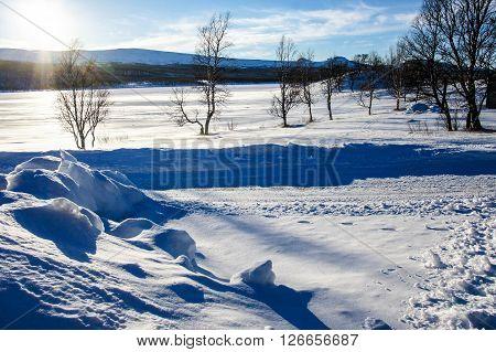 en kall och solig dag i tänndalen.