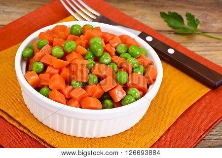 Juicy Vegetable Stew. Paprika, Peas and Carrots. Diet Food. Studio Photo