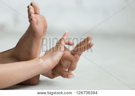 Yoga Indoors: Gyan Mudra - Mudra Of Knowledge