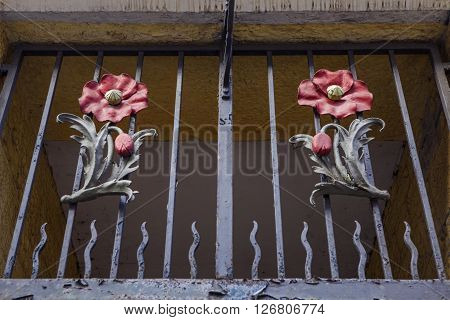 Poppy Sculptures above the entrance to the historic Panmure Close in Edinburgh Scotland. The Close was the former home of Lady Haigs Poppy Factory.