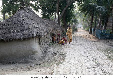 KUMROKHALI, INDIA - JANUARY 12: Bengali village January 12, 2009 in Kumrokhali, West Bengal, India.