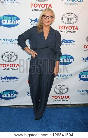 LAS VEGAS - APR 21:  Rachael Harris at the Keep It Clean Comedy Benefit For Waterkeeper at the Avalon Hollywood on April 21, 2016 in Los Angeles, CA