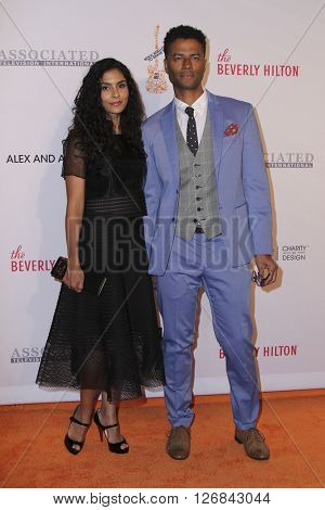 LAS VEGAS - APR 15:  Manuela Testolini, Eric Benet at the  23rd Annual Race To Erase MS Gala at the Beverly Hilton Hotel on April 15, 2016 in Beverly Hills, CA