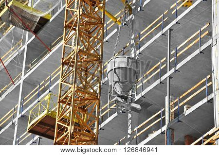 Crane Lifting Cement Mixing Container