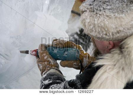Ice Carver