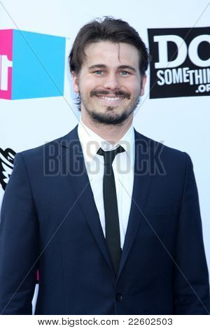 LOS ANGELES - AUG 14:  Jason Ritter arriving at the 2011 VH1 Do Something Awards at Hollywood Palladium on August 14, 2011 in Los Angeles, CA