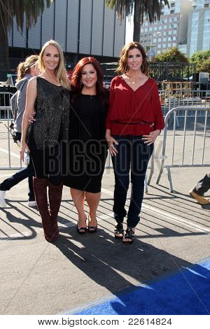 LOS ANGELES - AUG 14:  Chynna Phillips; Carnie Wilson; Wendy Wilson arriving at the 2011 VH1 Do Something Awards at Hollywood Palladium on August 14, 2011 in Los Angeles, CA