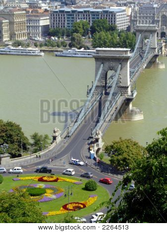 SzéChenyi Chain Bridge On Danube River