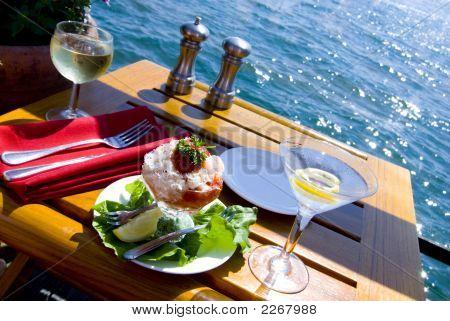 Belas refeições na água