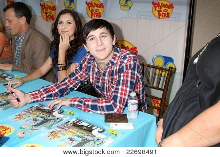 LOS ANGELES - AUG 13:  Alyson Stoner, Mitchel Musso at the Disney's
