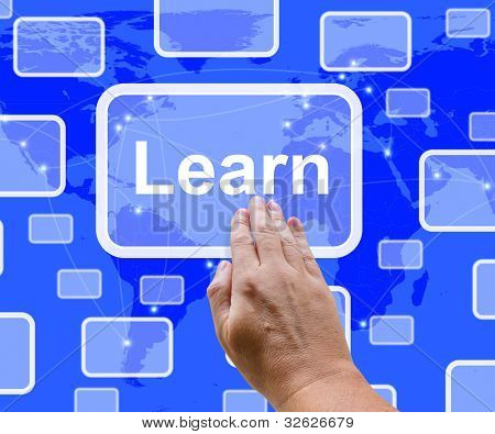 Aprender computadora botón en pantalla azul mostrando educación y aprendizaje en línea