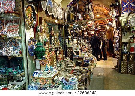 Interior en el Gran Bazar, Estambul, Turquía