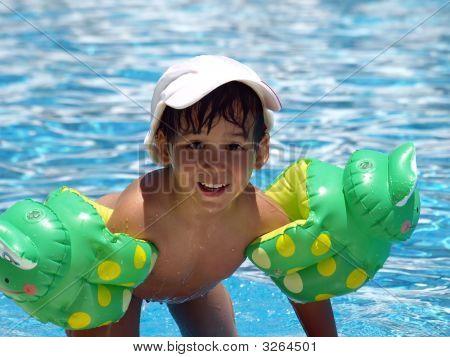 Boy nach dem Schwimmen