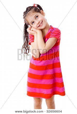 Chica de ensueño en vestido rosa