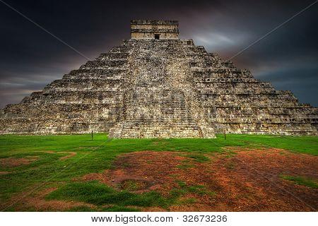 Dusk coming at Kukulkan pyramid in Chichen Itza, Mexico
