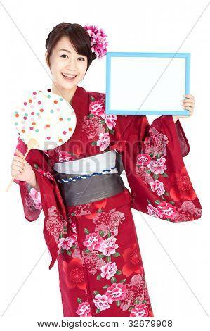 Mulher bonita de quimono. Retrato de mulher asiática.
