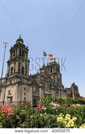 Mexico City Metropolitan Cathedral (Catedral Metropolitana de la Asuncion de Maria) is the largest and oldest cathedral in the Americas, built in 1573-1813.