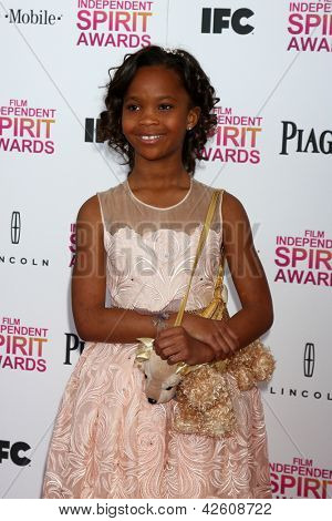 LOS ANGELES - 23 de FEB: Quvenzhane Wallis asiste a 2013 Film Independent Spirit Awards en la carpa