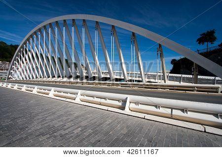 Brücke in Ondarroa, Bizkaia, Spanien