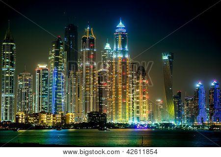 Paisagem urbana de Marina de Dubai, Emirados Árabes Unidos