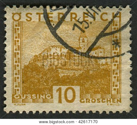 AUSTRIA - CIRCA 1929: A stamp printed in Austria shows image of the Burg G�?�?�?�¼ssing castle, circa 1929.
