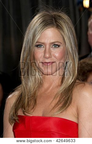 LOS ANGELES - 24 februari: Jennifer Aniston arriveert in de 85e Academy Awards, de Oscars op presenteren