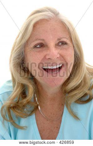 Feliz mujer adulta