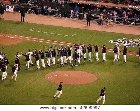 Giants Players High Five To Celebrate Winning Game
