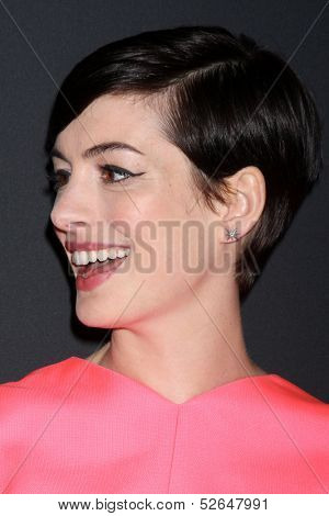 LOS ANGELES - OCT 19:  Anne Hathaway at the 2013 Pink Party at Hanger 8 on October 19, 2013 in Santa Monica, CA