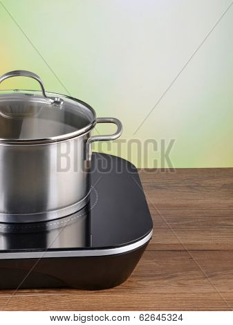 pot on induction hob