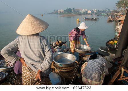 Selling Sea Food In Vietnam