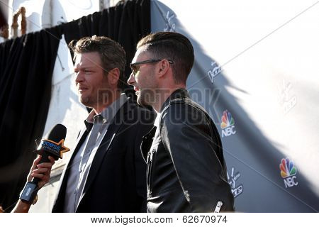 LOS ANGELES - APR 3:  Blake Sheldon, Adam Levine at the
