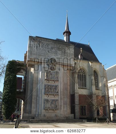 Palais Rihour and War memorial, Lille, France