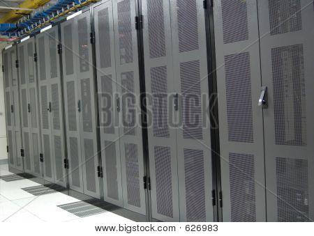 Datacenter - limpia fila de estantes