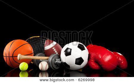 Equipo de deportes variados en negro