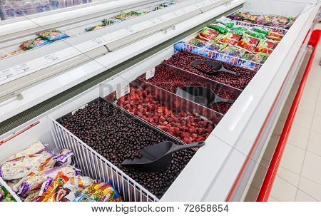 Samara, Russia - September 23, 2014: Showcase With Frozen Fruit In Supermarket Magnit. Russia's Larg