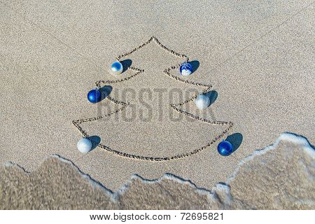 Christmas Tree Contour With Decorations, Star And Wave On The Beach