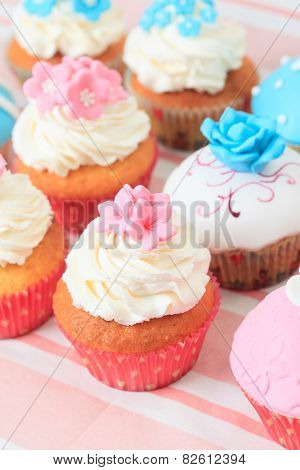 delicious cupcakes for the party