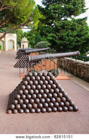 Old Guns In Monaco-ville
