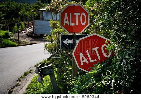 Alto Signs In Santa Elena Costa Rica