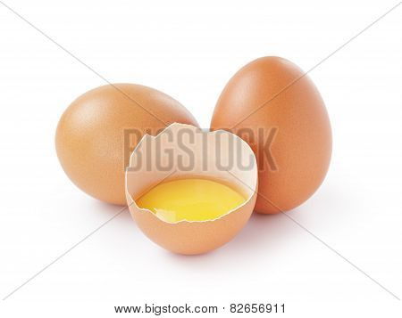 fresh raw eggs isolated