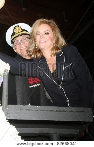 LOS ANGELES - DEC 30:  Gavin MacLeod, Jill Whelan at the Original