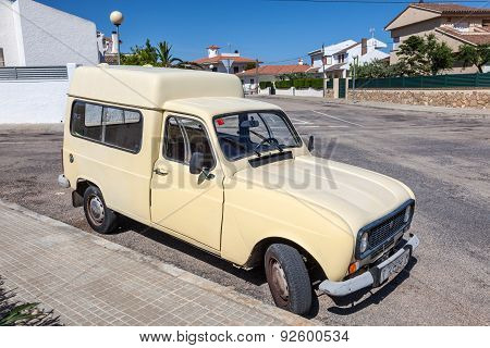 Old Renault 4 Fourgonnette