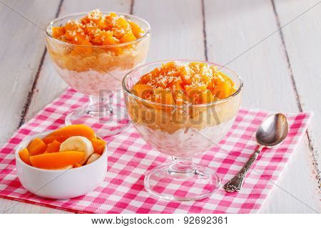 Healthy Breakfast, Oat Cereal With Fruit
