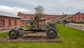 picture of artillery  - The Artillery gun from World War II - JPG
